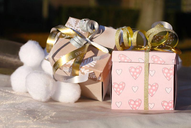 5 Idées cadeaux Noël à offrir à une maman