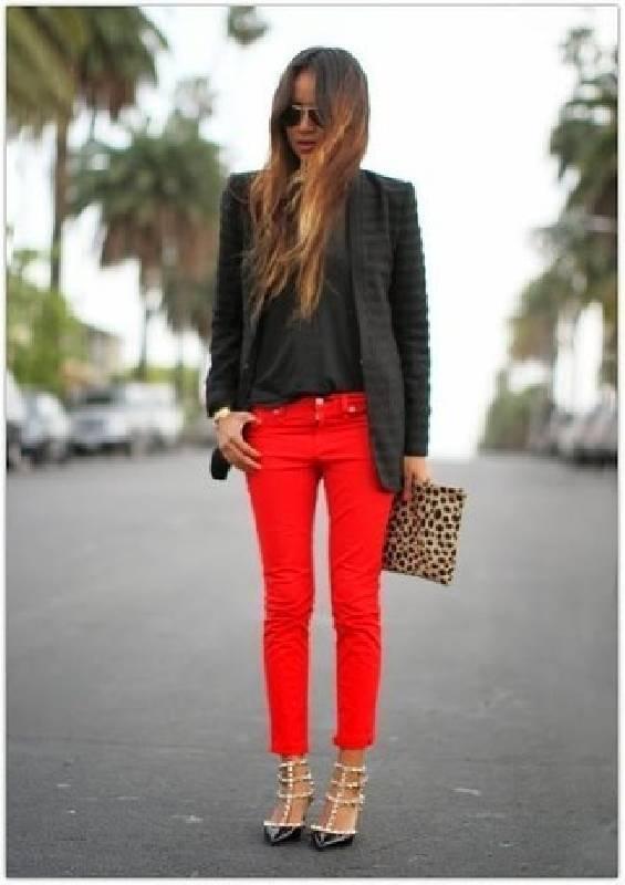 pantalon rouge moderne