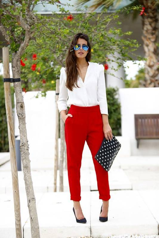 pantalon rouge chic