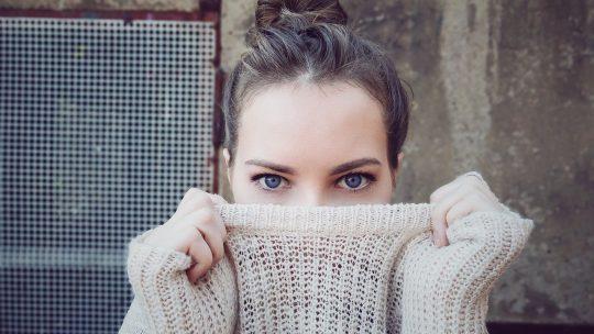 Comment faire ses sourcils fins ? 5 astuces pour des sourcils parfaits
